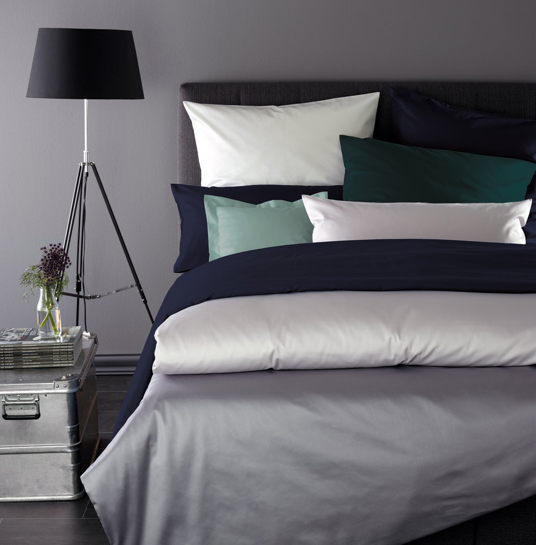 kissen uni perfect genial joop kissen uni doubleface taupe lotus xcm inkl federfllung fr joop. Black Bedroom Furniture Sets. Home Design Ideas